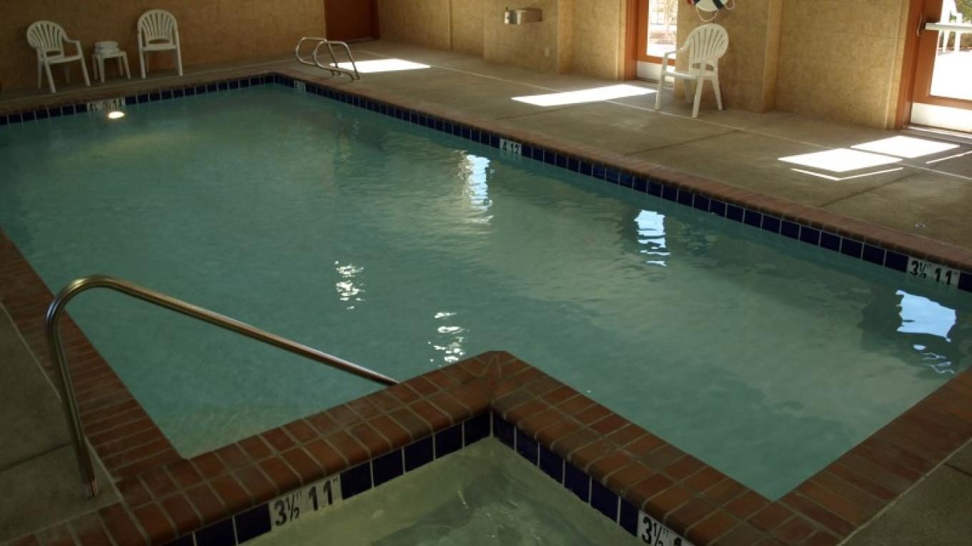 Indoor pool and spa available to hotel guest year round. – Diamond Mountain Casino and Hotel