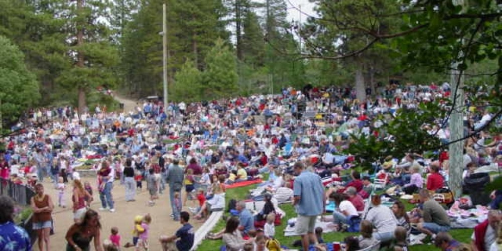 A packed music in the park – Shaun Mitchell