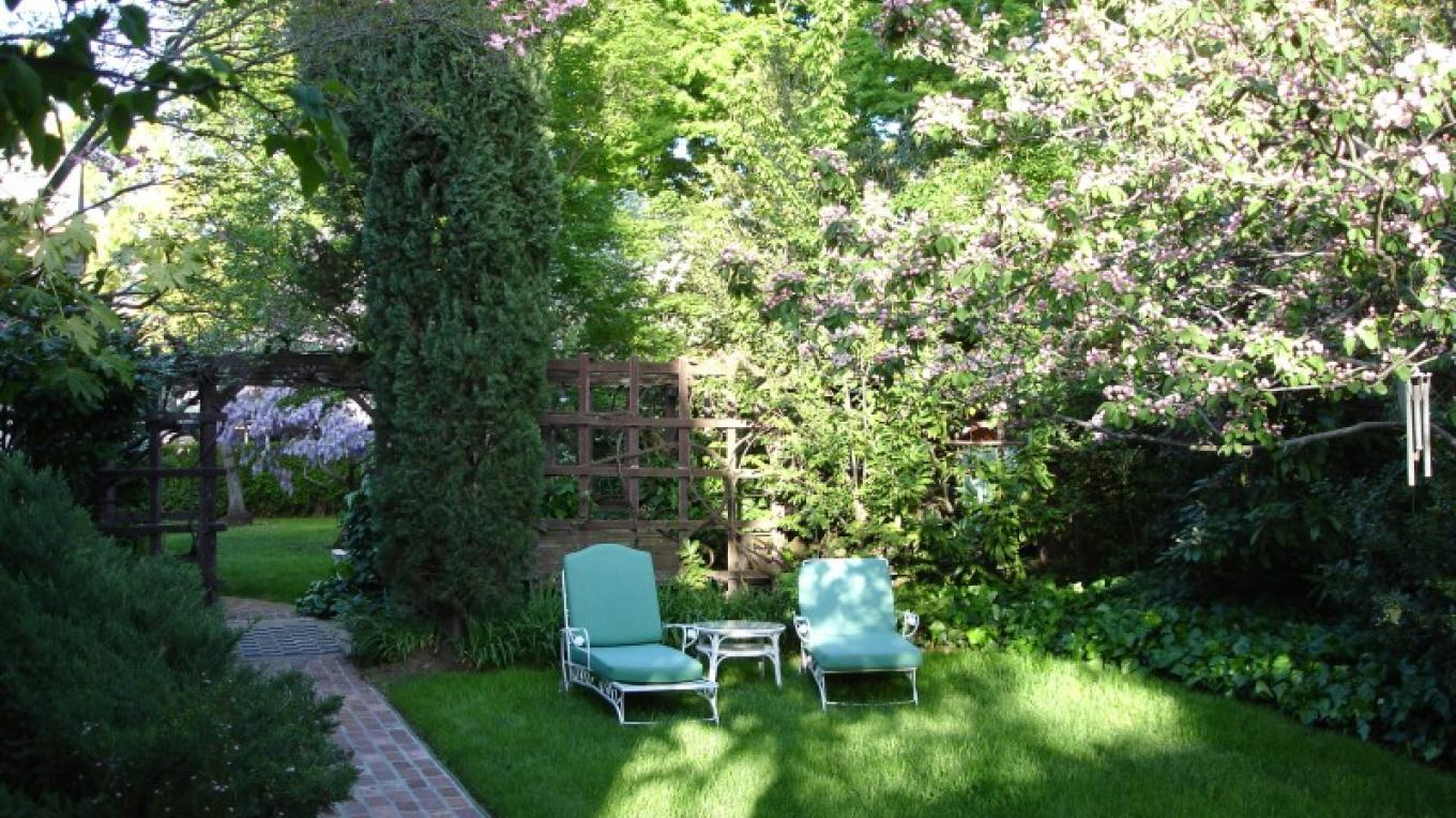chaises and crabapples – Lindsay Way