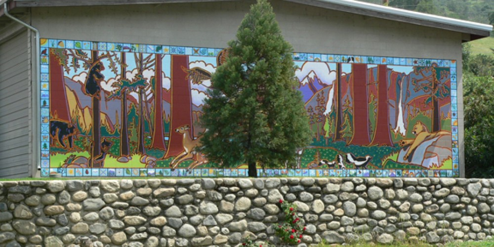 Sierra Wildlife- Now and Then, mural on Three Rivers Union School. – Nadi Spencer