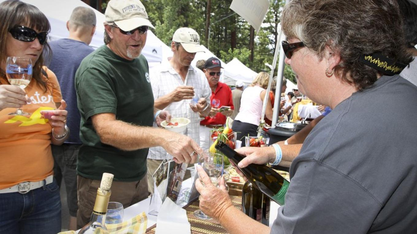 Attendees enjoy food & wine pairings at inaugural Sample the Sierra. – Dan Thrift