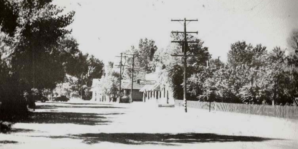 Main Street, looking south. Dr. Office, A. Brown Store corner of Nellie Dent Rd. – unknown