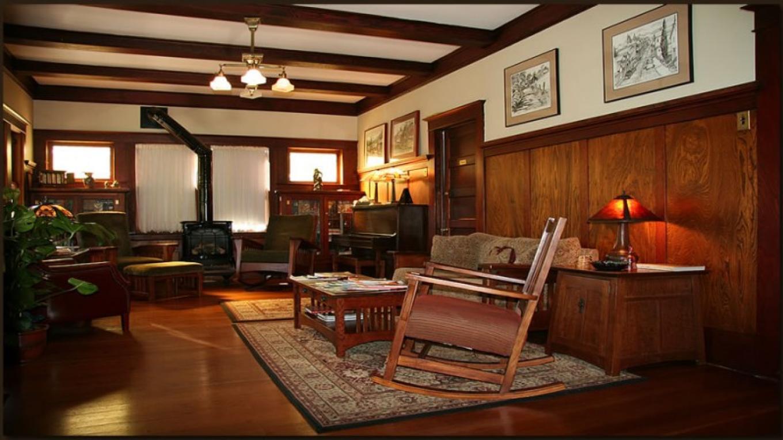 Beautiful woodwork in the Inn's livingroom. – Christine Gustafson, InnLight Marketing