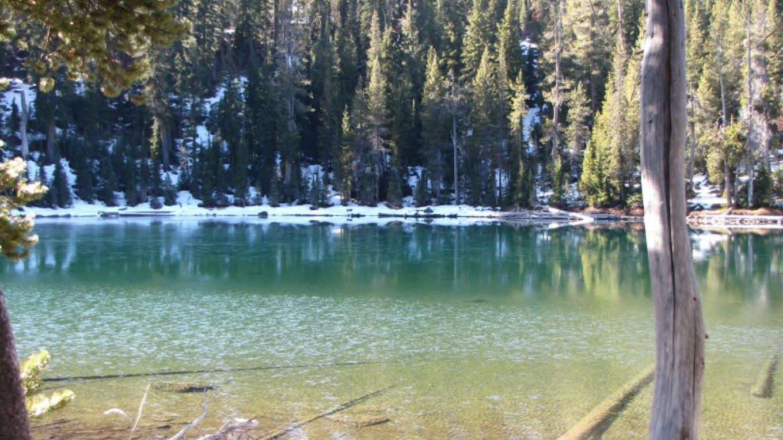 Clear waters of alpine lake on Summit Lakes Loop. – Ben Miles