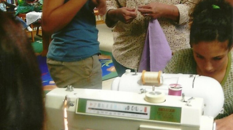 Homespun cloth bag event at library – Susan Leeper