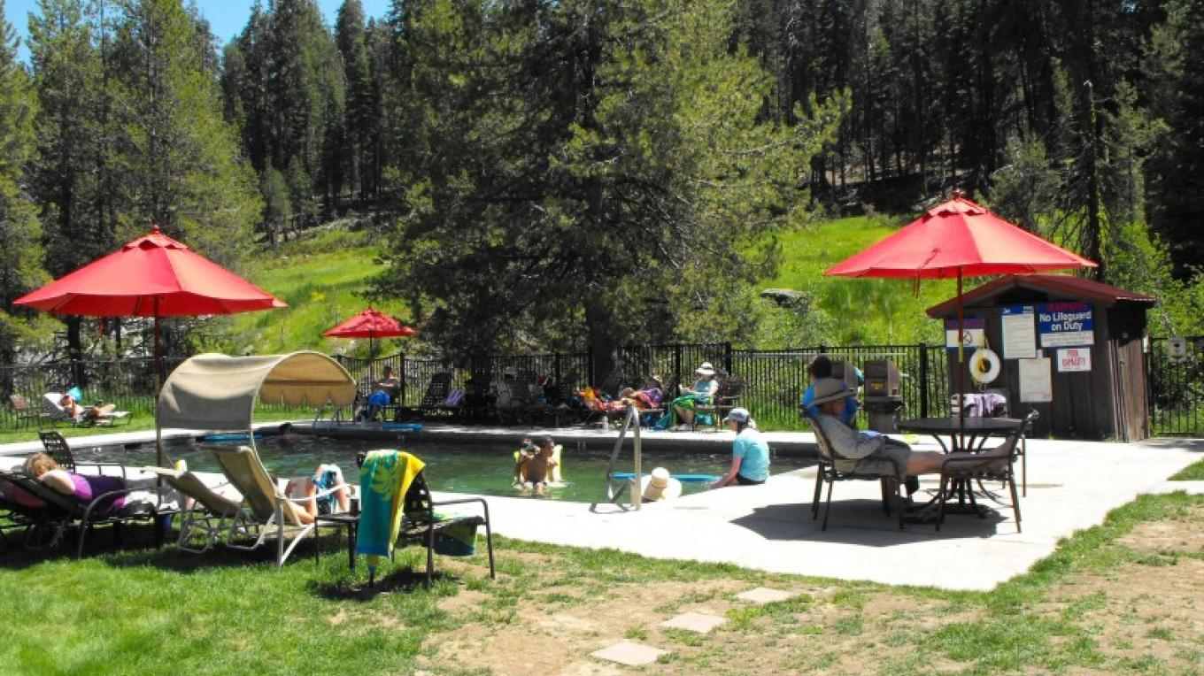Guests enjoy the temperature controlled swimming pool. – NPS / Greg Brahms