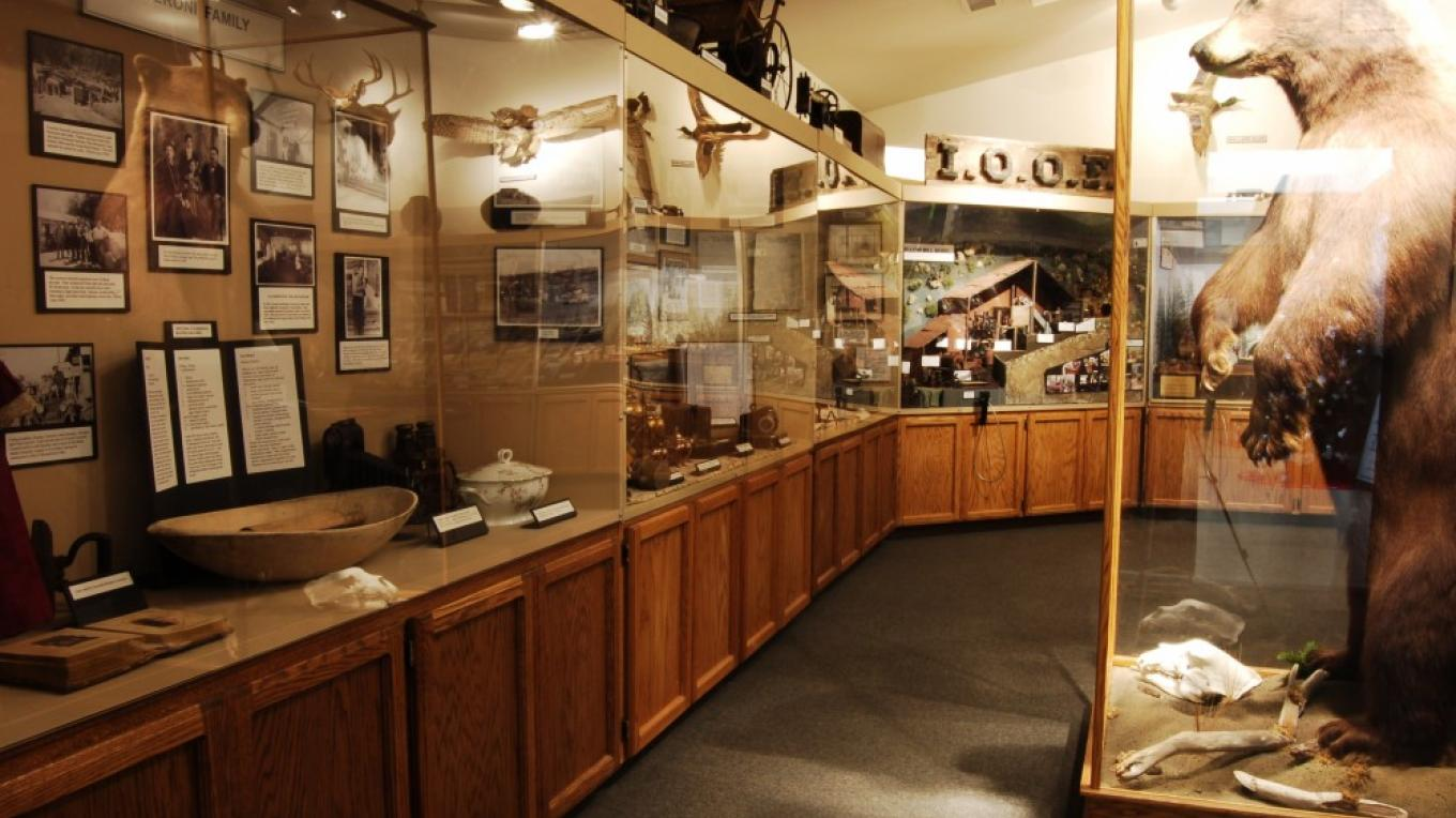 A few of the exhibits inside the Groveland Yosemite Gateway Museum. – Denise Henderson