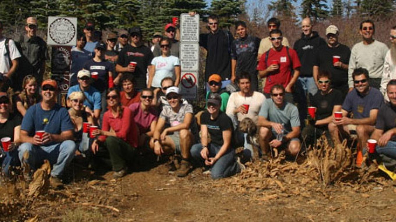 Staff and volunteers – Sierra Buttes Trail Stewardship