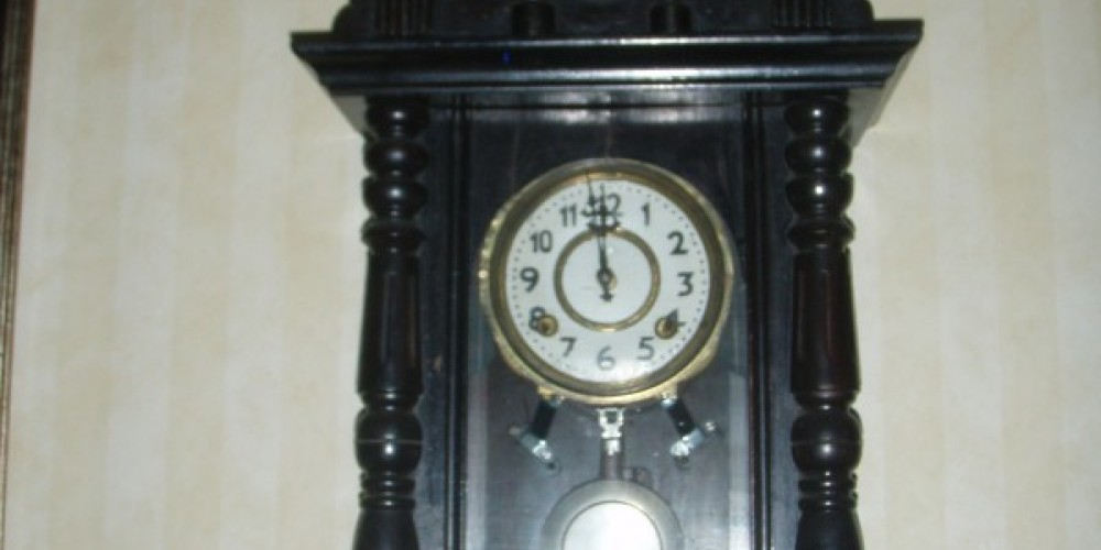 Adding to the natural charm of the historic and quirky Hotel Charlotte is Victor\'s antique clock collection. With a few grandfather clocks, dozens of wall clocks and oodles of mantel clocks to enjoy. – Victor Niebylski