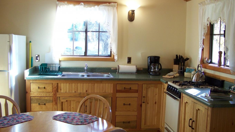 Meadow Lark Family Cabin- Kitchen – Lauren Nickell