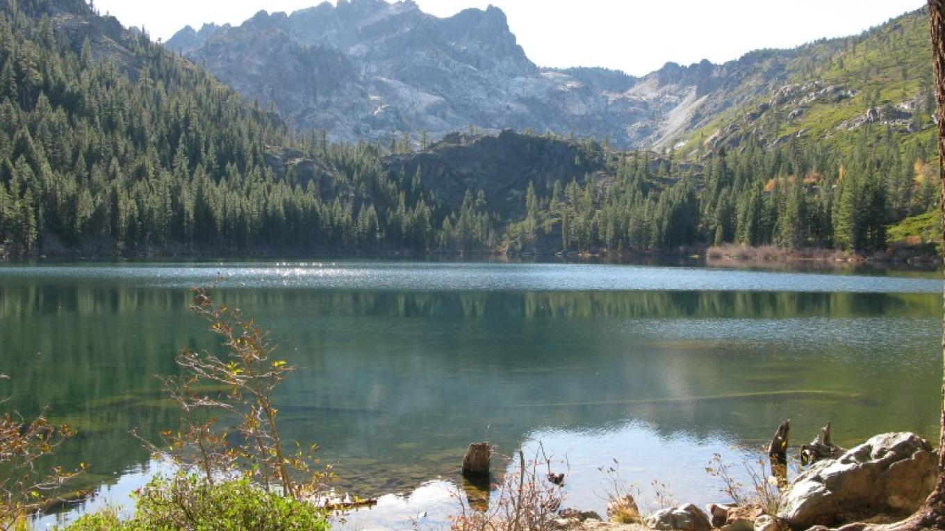 Sierra Buttes and Sardine Lake near Sierra City – Linda Chaplin