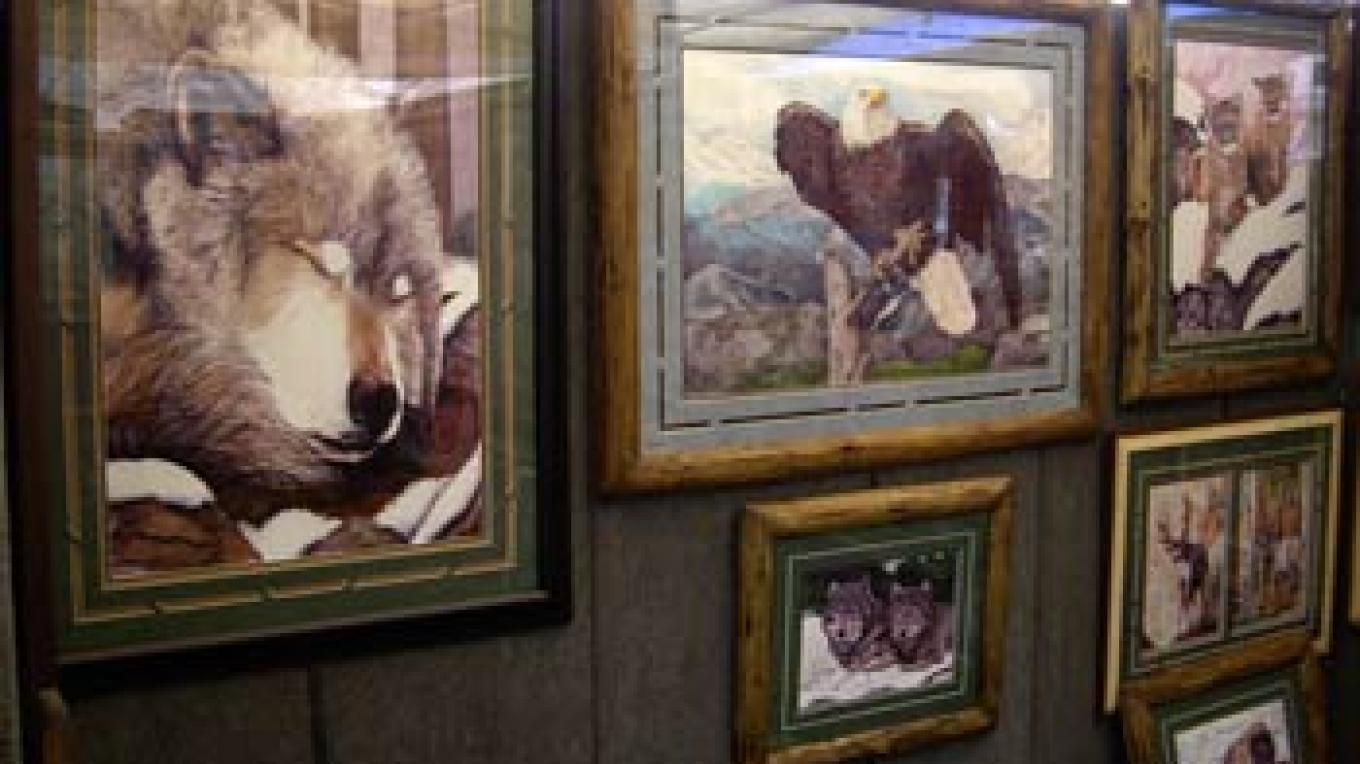 Detailed wildlife paintings by Mike Carey. – Roxanne Valladao