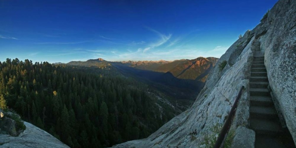 In the 1930s, the Civilian Conservation Corps built a 400-step stairway up to the top of Moro Rock. – NPS/Rick Cain