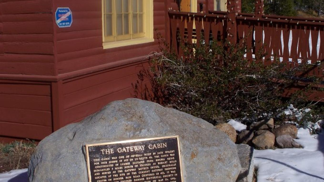 view of the library and plaque – © 2009 Truckee Donner Historical Society All Rights Reserved