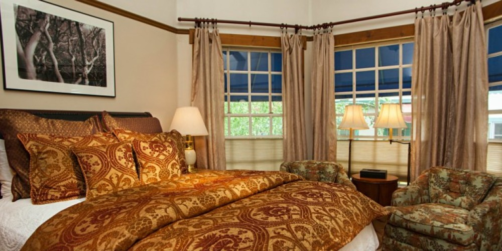 The Sweetwater Room at the Victoria Inn in Murphys, California: http://www.victoriainn-murphys.com – Digimanstudios.com