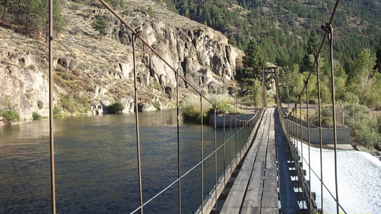 Fleish suspension bridge over the Truckee River