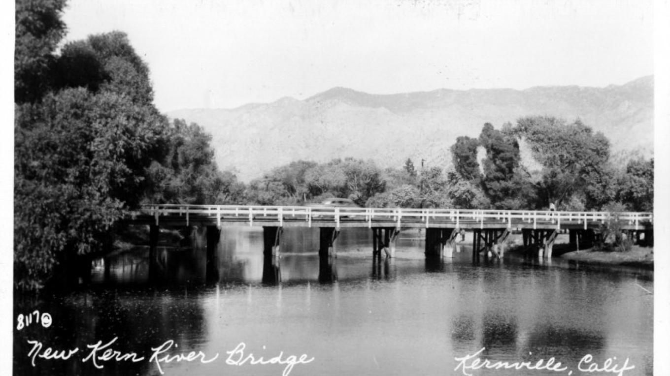 The Bridge after the flood of 1948, looking south – unknown
