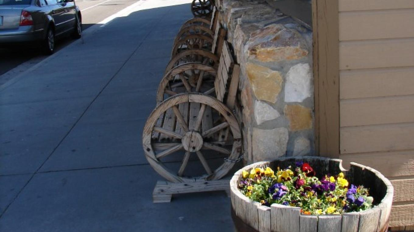 Come enjoy a cool ice cream treat or warm capuccinno on one of our wagon wheel benches – Michelle Hykes