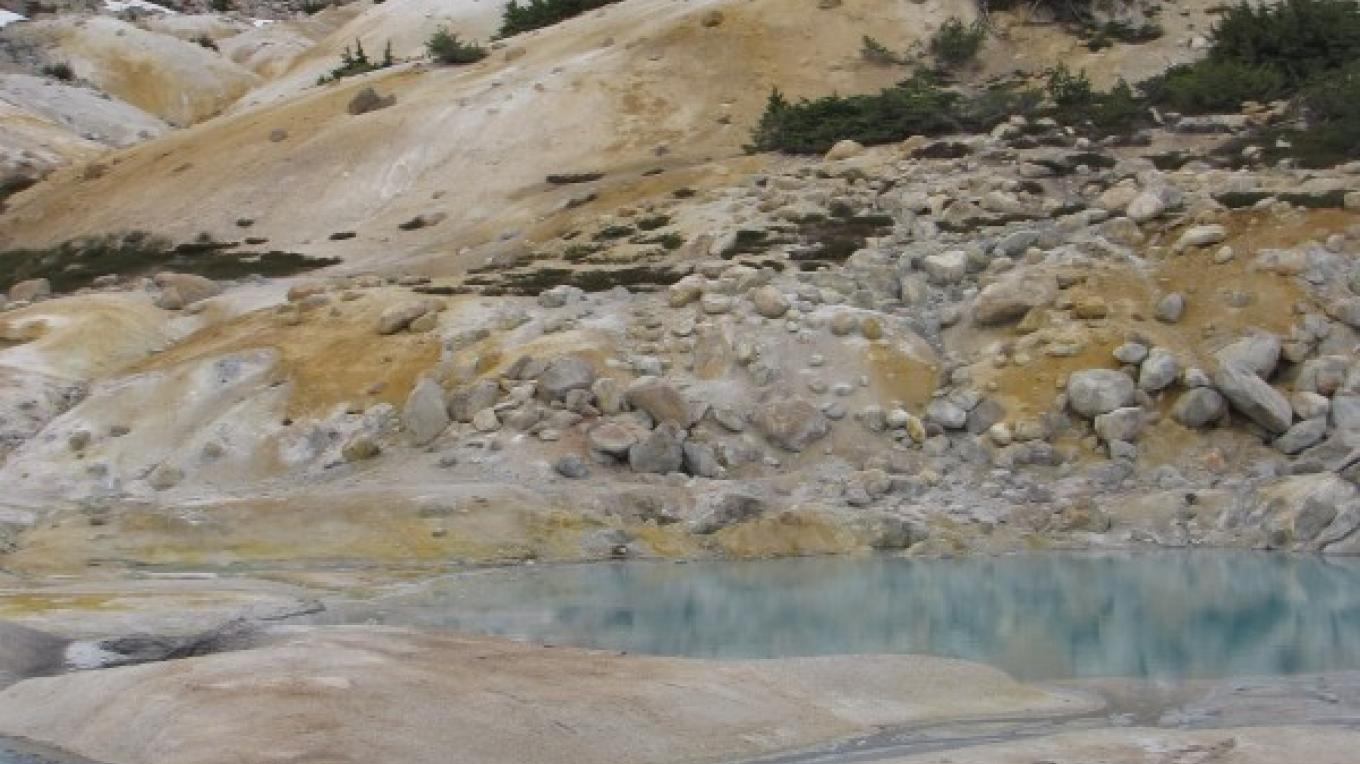 Striking and vibrant colors abound in Bumpass Hell. – Ben Miles
