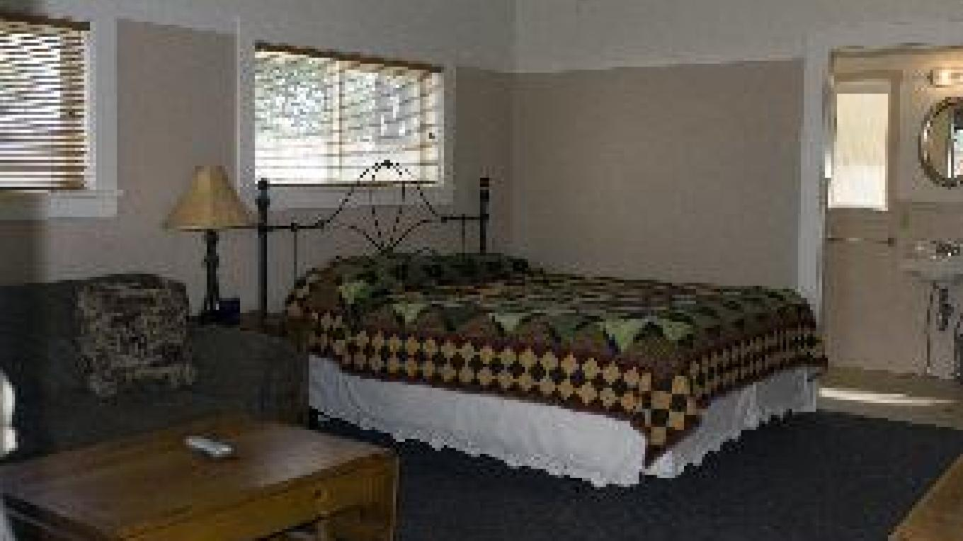 Guest room at the Fall River Hotel