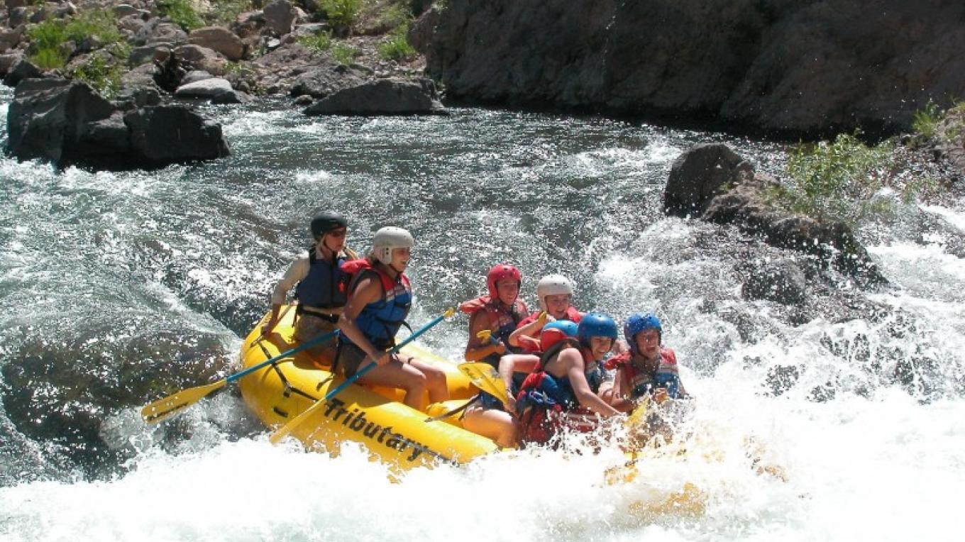 Whitewater rafting on the Lower Truckee River with Tributary Whitewater Tours – www.truckeeriverphotos.com