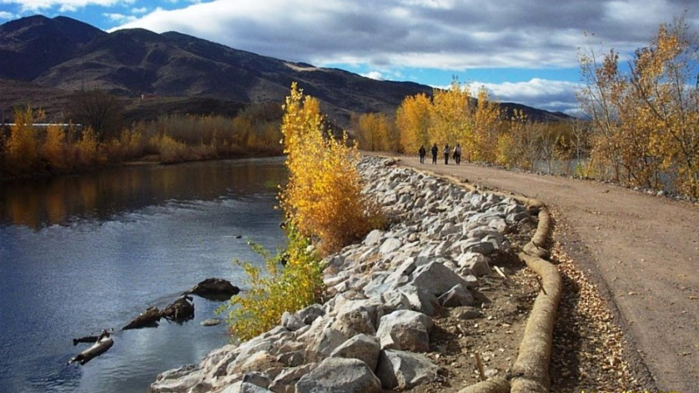 Tracy trail is a soon-to-be-completed 9-mile trail along the River from Mustang to Clark.