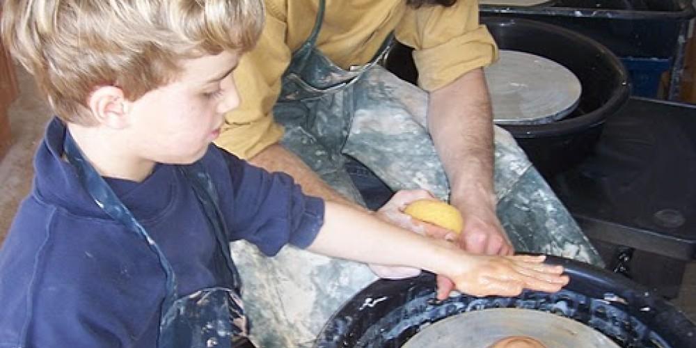 Children's wheel-throwing classes at ASiF Studios