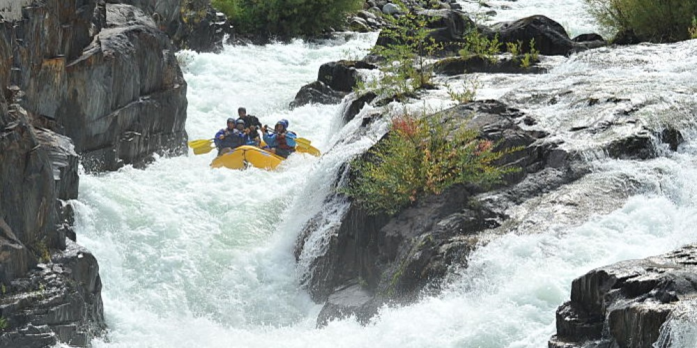 The Class 4+ Chute rapid before the tunnel on the Middle Fork Americanm River – www.hotshotimaging.com