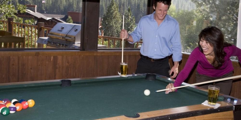 The Pines Bar – www.basslake.com
