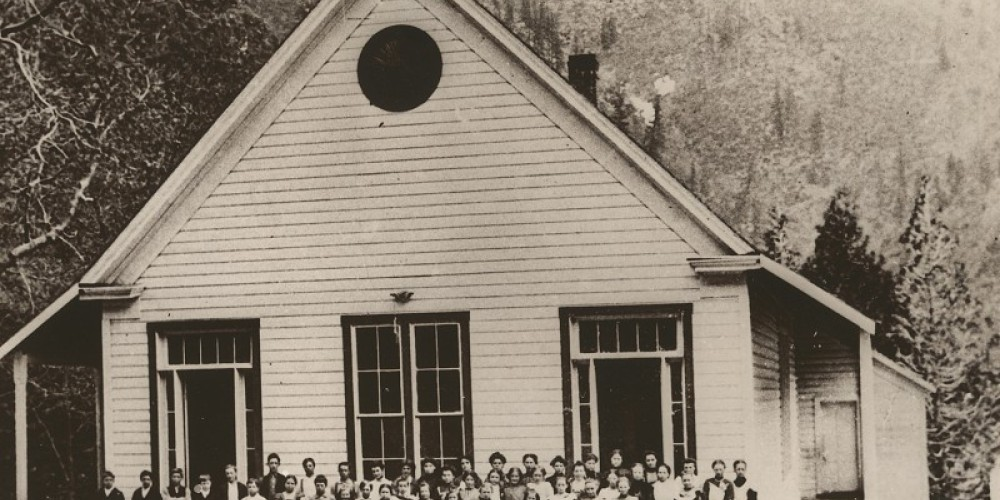 Schoolhouse in 1900