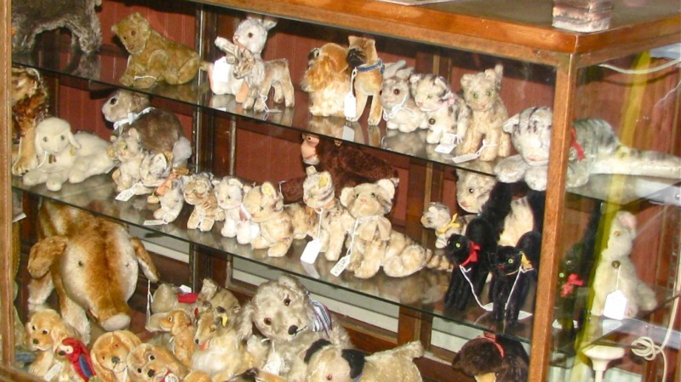 And among the toy cabinets are Steiff animals, bears and more classic bears. – Karrie Lindsay