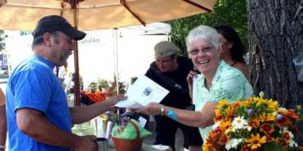 Market Manager and respected community food authority, Linda Marrone.
