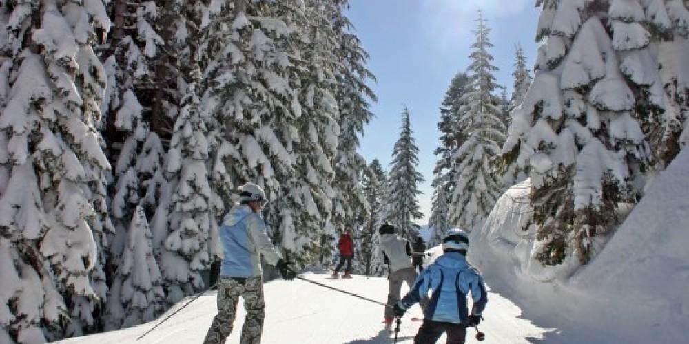Family skiing at Lake Tahoe's Homewood Mountain Resort – Rachael Woods