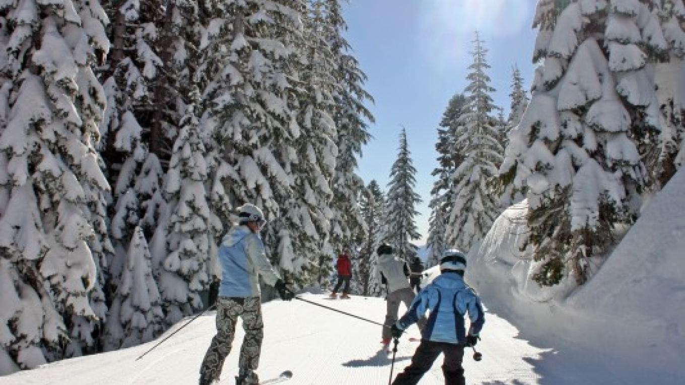 Family skiing at Lake Tahoe's Homewood Mountain Resort – Rachael Woods