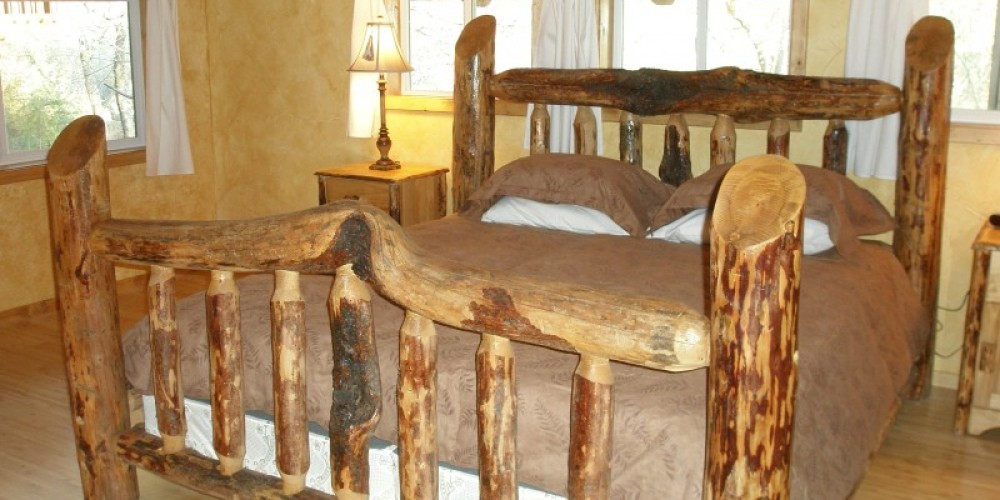 Falcon Chalet's Comfy LodgePole Pine Bed