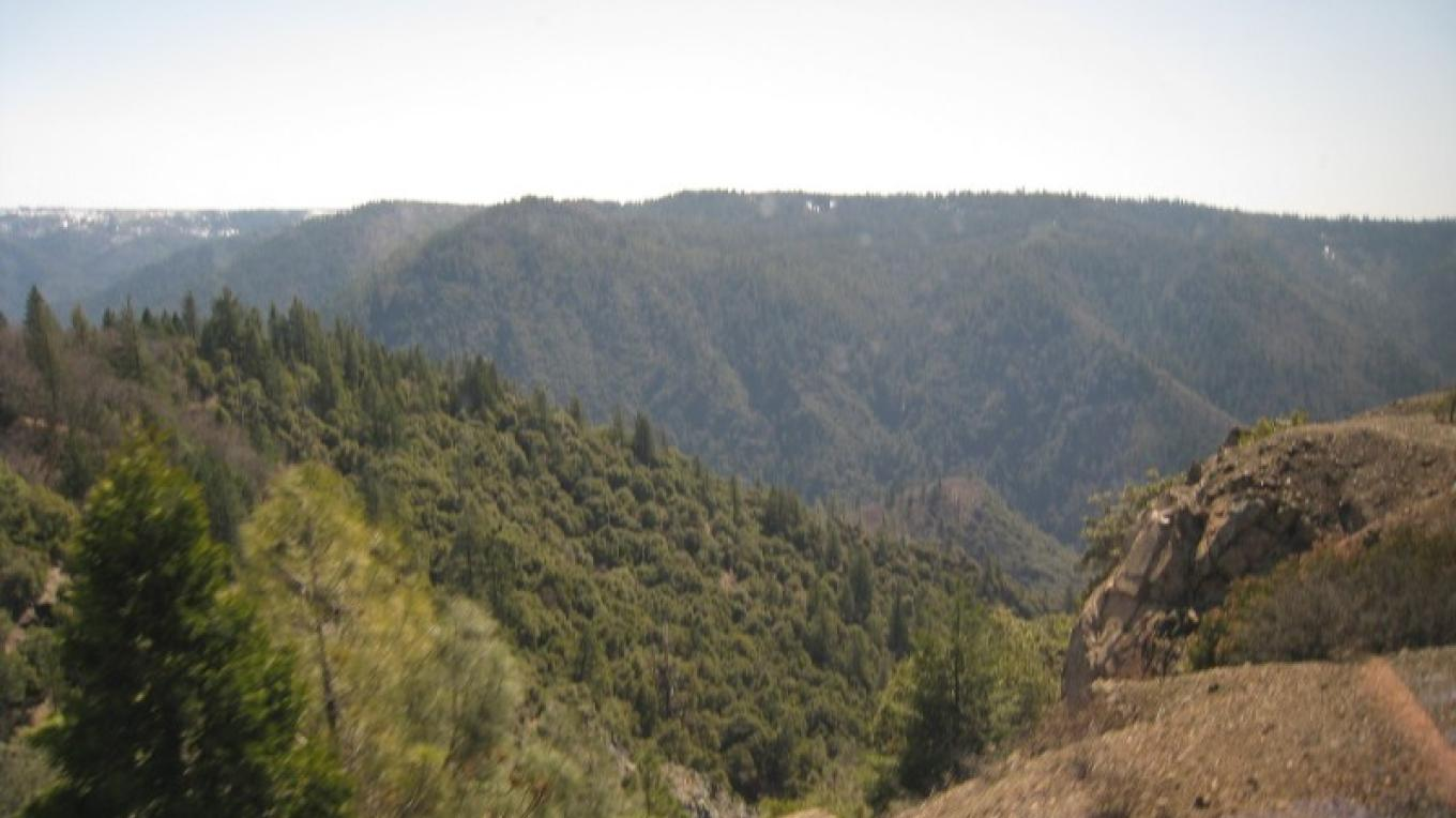 View from California Zephyr at Cape Horn, toward American River canyon – David Wiltsee