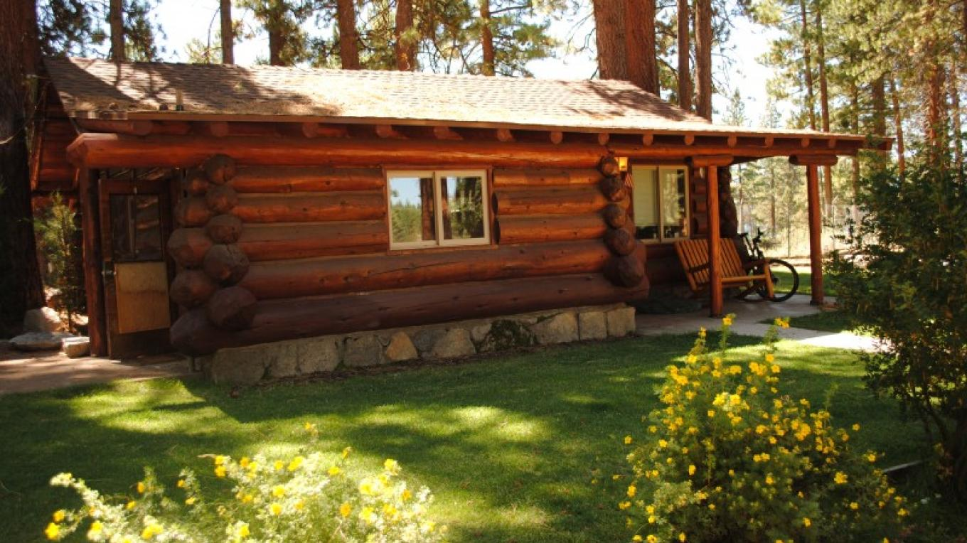 1937 Rustic Cabin – Travis K. Lee