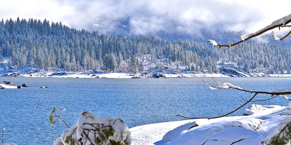 Nearby Shaver Lake in the winter – www.shaverlake.com