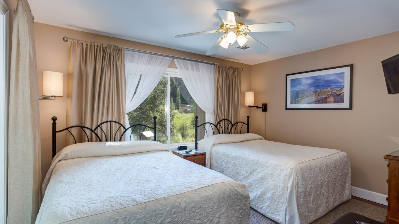 Standard Room – Pamela Salisbury