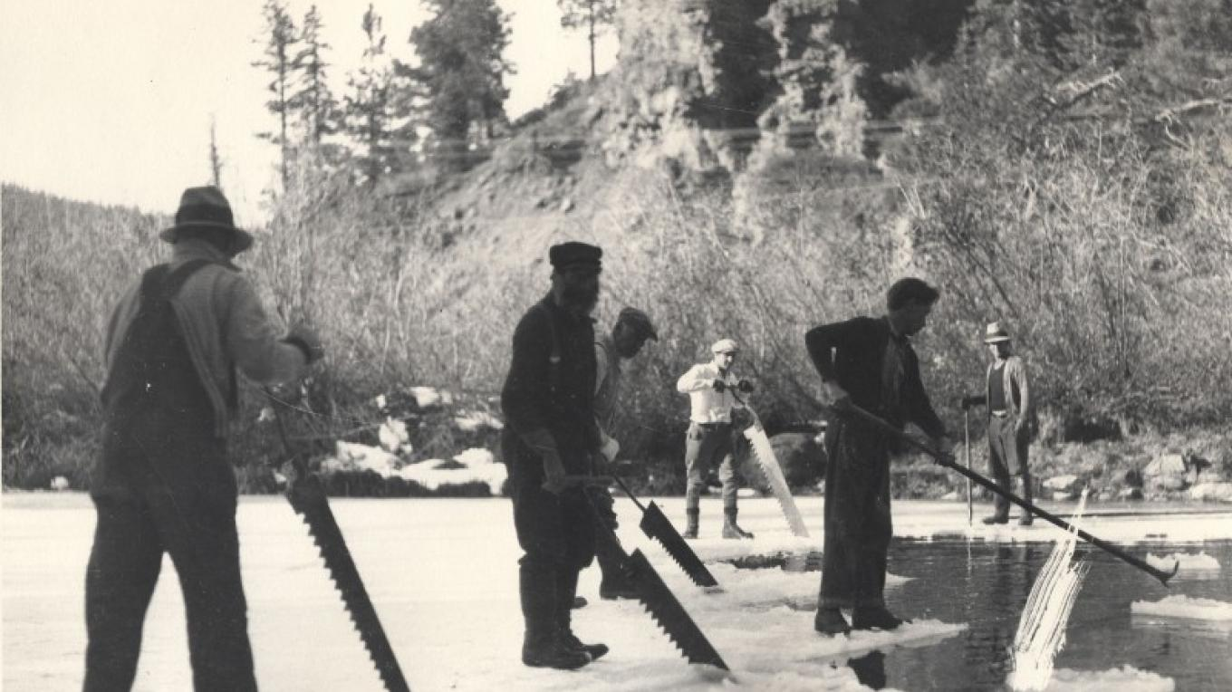 Ice harvesting on the Truckee River – Courtesy of Gatekeeper's Museum