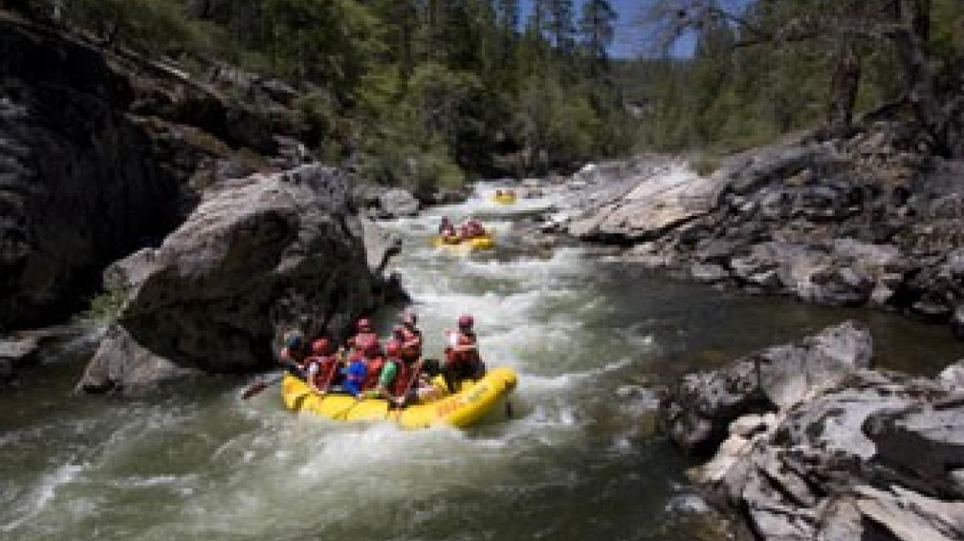 Whitewater rafting on the North Fork Stanislaus River with O.A.R.S. – www.tracybarbutes.com