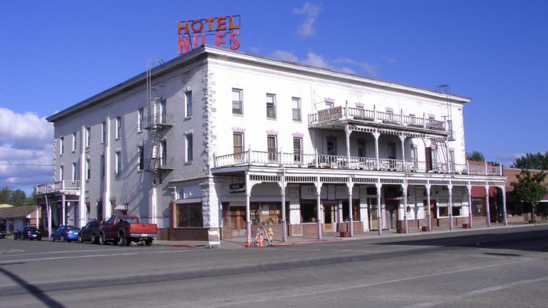 14. Niles Hotel – Lorissa Soriano