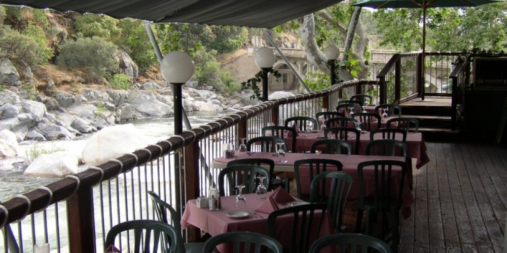 Covered outdoor dining at The Gateway. – Glenn McIntyre