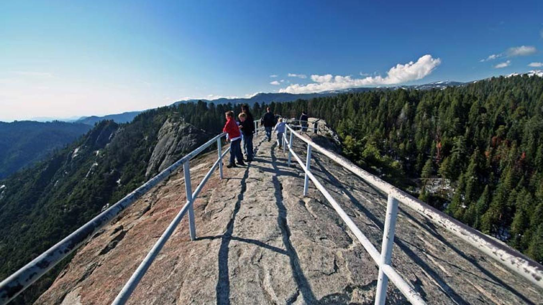 A metal railing protects visitors at the top of Moro Rock. – NPS/Rick Cain
