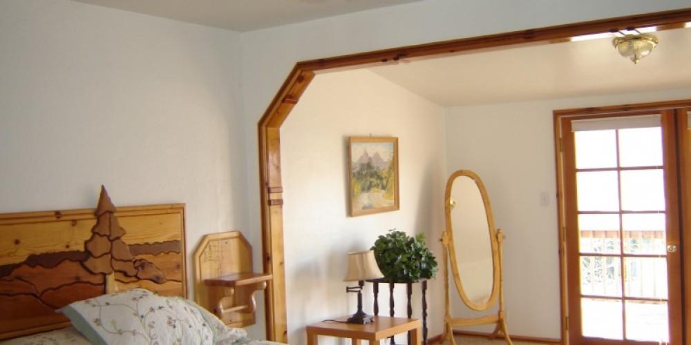 Master Bedroom. Lakehouse – Carla Thorn