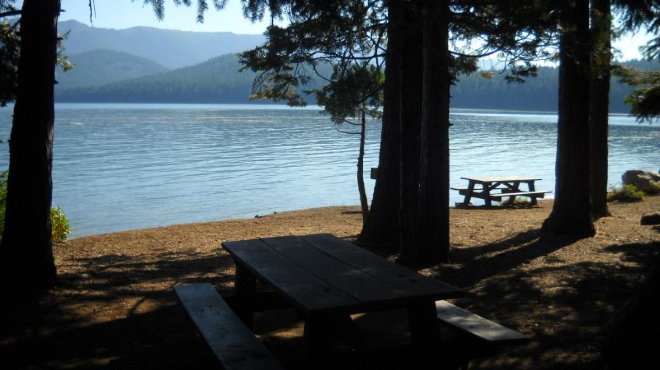Lake Almanor Day Use and Picnic Area. – Volcanic Legacy