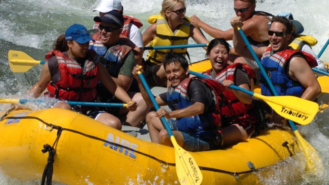 Whitewater rafting on the South Fork American River at the Class 3+ Satan's Cesspool rapid on the Gorge – www.hotshotimaging.com