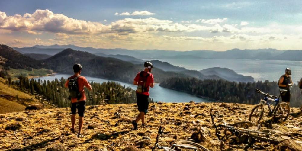 Mountain biking in Lake Tahoe on the Tahoe Rim Trail above Spooner Lake. – Le Grand Adventure Tours