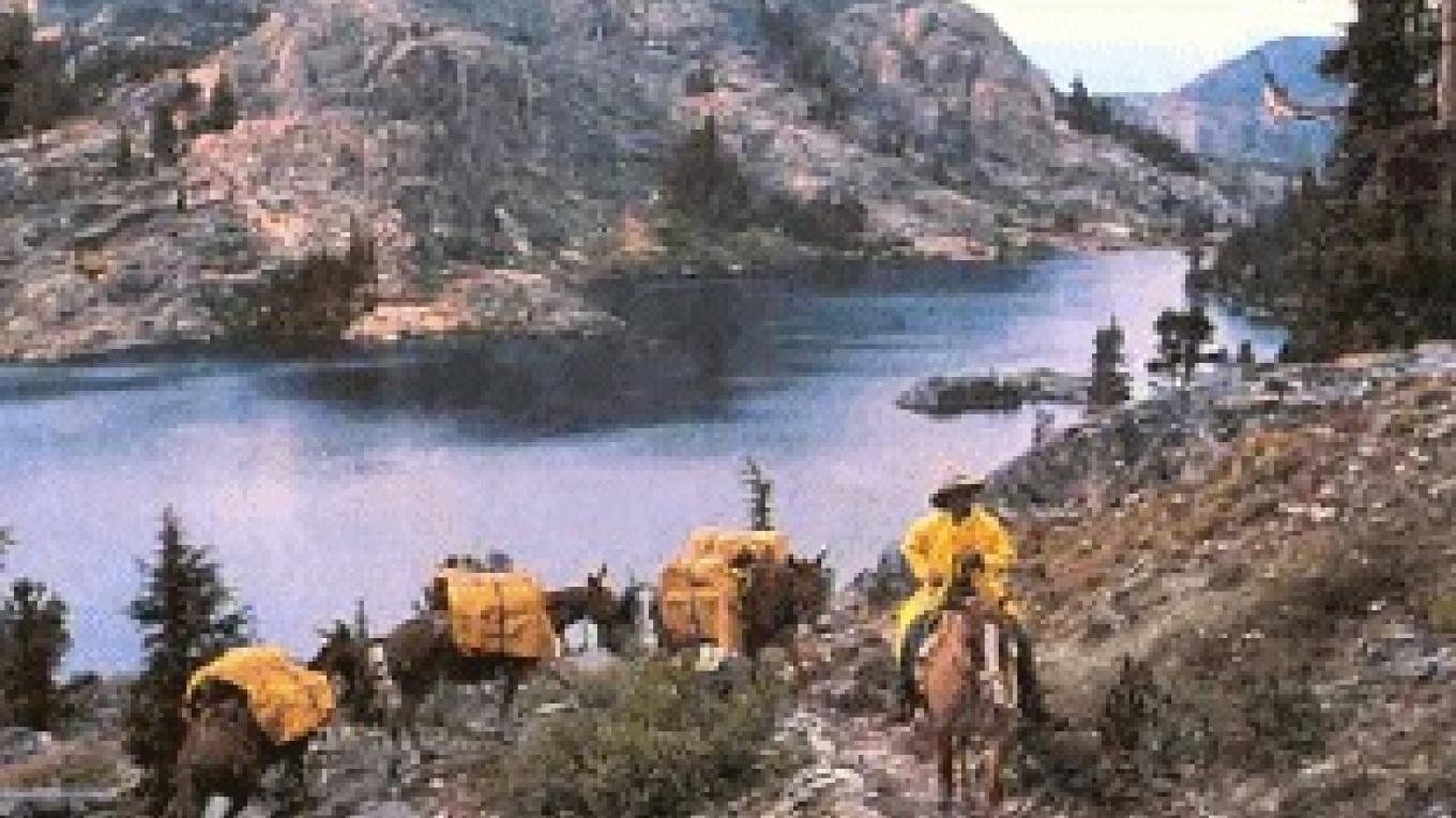 Pack train at Garnet Lake – Reds Meadow Pack Station