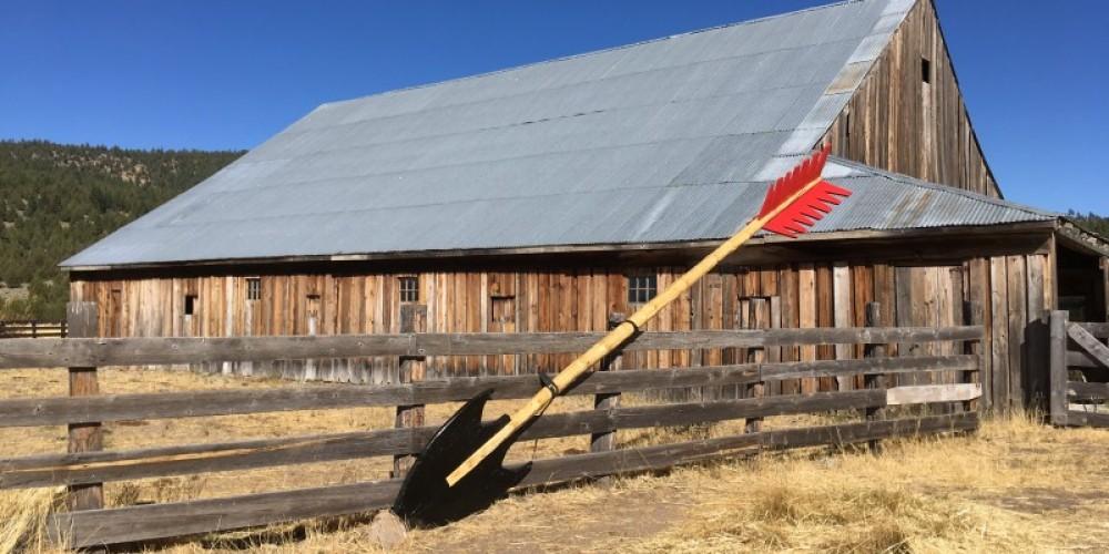Giant arrow by Doug Read shown at Lemon Canyon Ranch. – - photo credit: Kristi Jamason